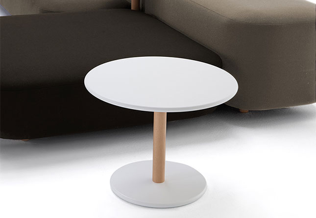 Common side table by viccarbe hub furniture lighting living - Resource furniture espana ...